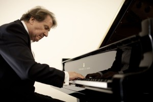 Rudolf Buchbinder/Photo: Marco Borggreve