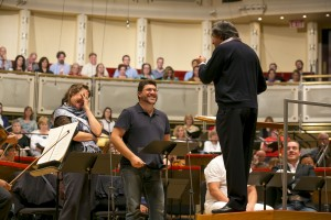 Soprano Tatiana Serjan (Lady Macbeth) and baritone Luca Salsi (Macbeth) with Riccardo Muti. Photo: Todd Rosenberg