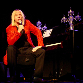 Long-Distance Runaround: A Conversation with Rick Wakeman in Advance of His Upcoming Show at Copernicus Center